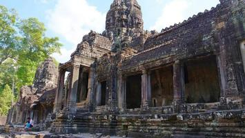 tempio bayon nel complesso di angkor wat, siem reap cambogia foto