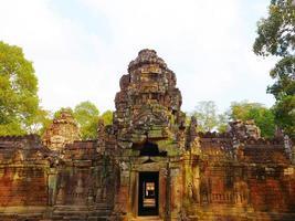 architettura in pietra rovina al tempio di ta som, siem reap cambogia. foto