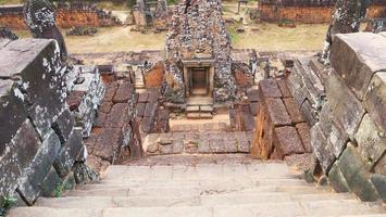 scala di pietra a Khmer buddista rovina di pre rup, siem reap cambogia. foto
