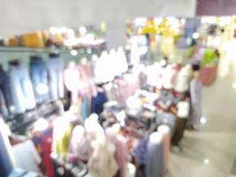 sfocatura astratta con bokeh nel centro commerciale, supermercato fuori fuoco foto