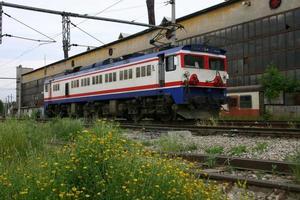 locomotiva elettrica che funziona con energia pulita foto