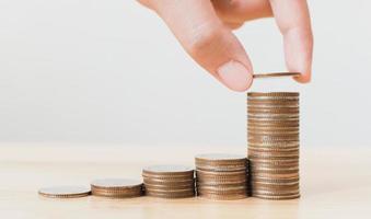 risparmiare denaro e investire è crescere crescita foto