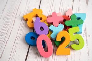 numero matematico colorato, studio dell'istruzione foto