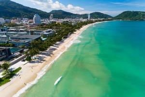 spiaggia di patong phuket thailandia foto