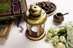 portacandele arabo ad alta vista foto