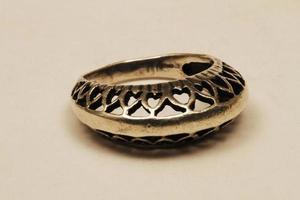 istanbul, turchia, 2021 - anello in metallo prezioso foto