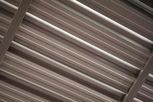 tetto in lamiera di alluminio tetto di edificio industriale foto