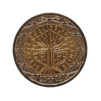 Moneta da 2 euro, unione europea isolata su bianco foto