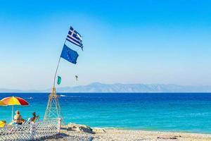 persone alla spiaggia di kremasti, rodi, grecia., 2018 foto