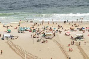 rio de janeiro, brasile, 2015 - spiaggia di leme a copacabana foto