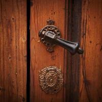 antica maniglia della porta foto