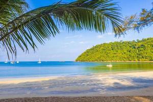paradiso tropicale isola koh phayam ao khao kwai beach thailandia foto