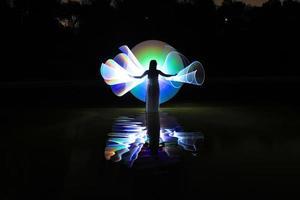 pittura leggera con illuminazione a colori e tubo foto