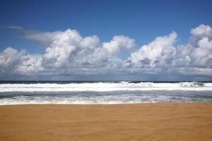 spiaggia a kauai hawaii con nessuno lì foto