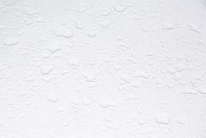 superficie metallica bagnata foto
