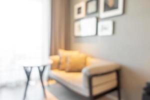 sfocatura astratta e interni sfocati del soggiorno per lo sfondo foto