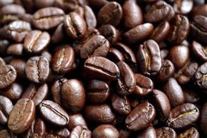 primo piano di chicchi di caffè foto