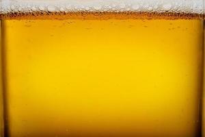 bicchiere di birra da vicino foto