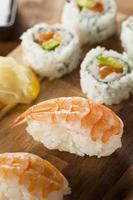sushi giapponese sano di nigiri foto