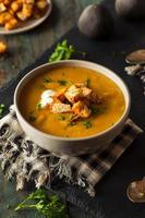 zuppa di zucca calda fatta in casa foto