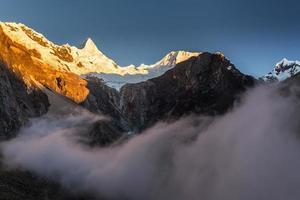 paesaggio montano nelle Ande, Perù foto