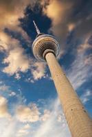 torre della televisione a Berlino foto