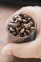 torrefazione di chicchi di caffè foto