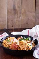 spaghetti con polpette di tacchino foto