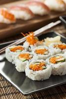 rotolo di sushi di verdure giapponese sano di maki foto