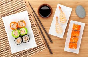 sushi maki e gamberetti sushi