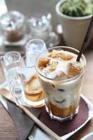 caffè con latte ghiacciato foto