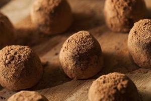fantasia tartufi al cioccolato gourmet foto