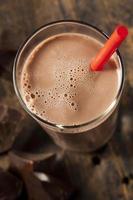 delizioso latte al cioccolato rinfrescante foto