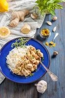 pollo con limone, curry, zenzero e riso