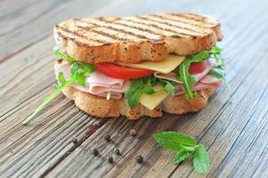 sandwich alla griglia foto