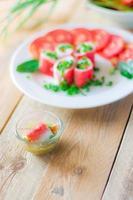 rotolo vegetariano di crabstick - ripieno di tofu di pesce foto