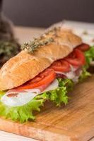 sandwich di baguette fresche foto