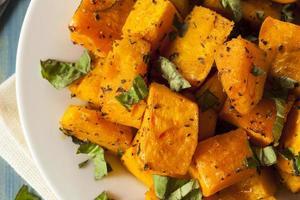 zucca organica cotta al forno foto