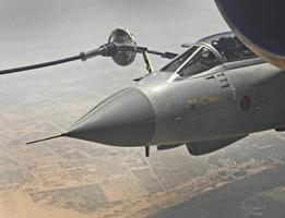 raf tornado rifornimento di carburante aereo afghanistan iraq deserto del medio oriente