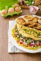 frittata con verdure di primavera e pancetta foto