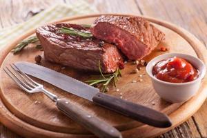 bistecca di manzo con spezie foto