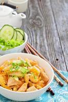 pollo in salsa agrodolce foto