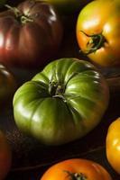 pomodori cimelio organico colorato foto