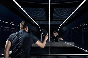 gli sport. ping-pong, ping-pong, sparring. foto