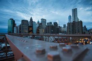 skyline di new york city al tramonto foto