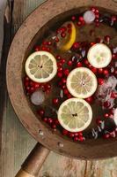 punch al limone e mirtillo rosso foto