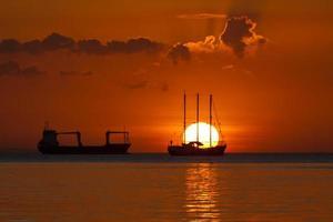 filippine, tramonto della baia di manila foto