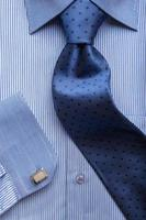 camicia blu foto