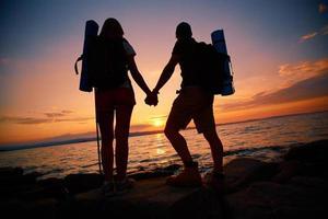 escursionisti al tramonto