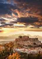 acropoli con tempio partenone ad atene, grecia
